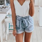 White Tank Top And Blue Shorts #summer #outfits Outfit, Outfit Sommer Kleidung Damen