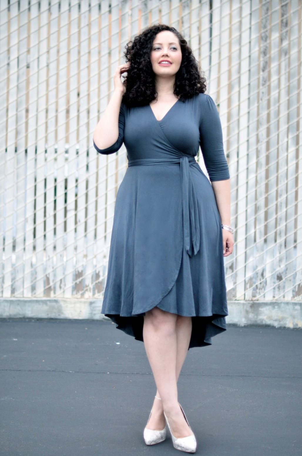wrap dress curvy girl outfits, short girl fashion, curvy girl kleider für dicke