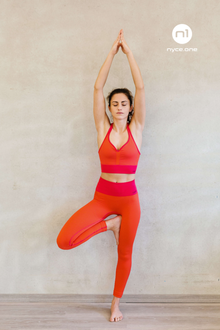 Wunderschönes Yoga-Outfit in 10  Yoga kleidung, Outfit, Yoga