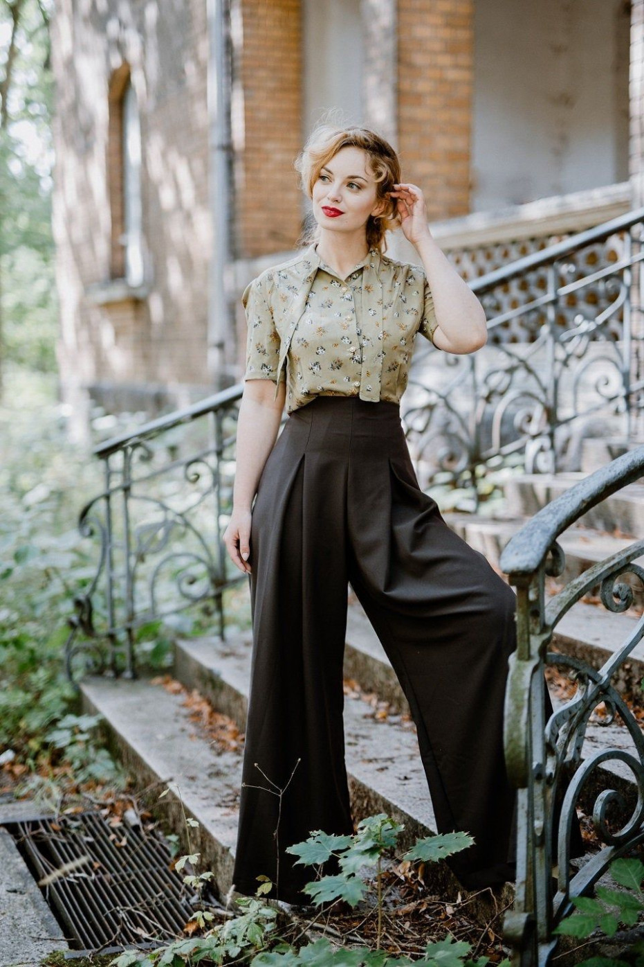 10s blouse romy olive bunte mode, 10er jahre outfit, 10er jahre mode 40 er jahre mode