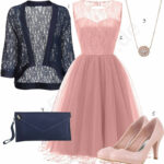 Frauenoutfit Mit Rosa Kleid, Pumps Und Anhänger Outfits12you
