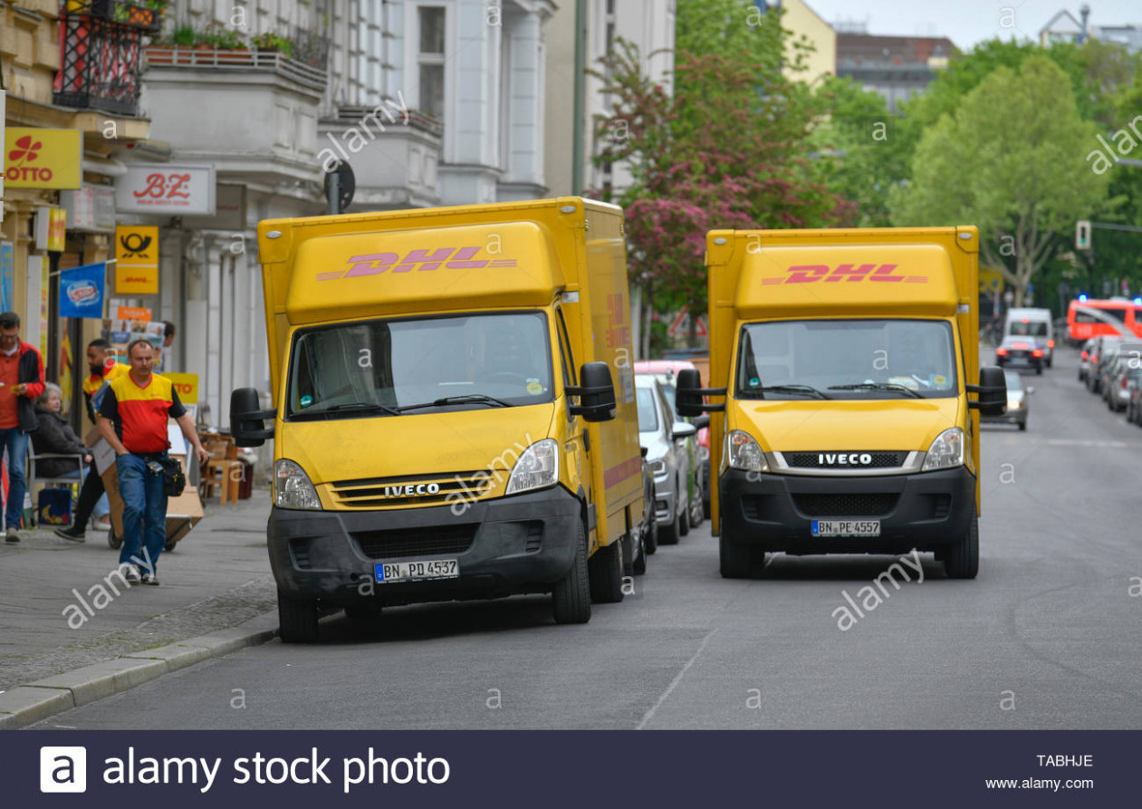 paketdienst high resolution stock photography and images alamy dhl delivery kleidung bestellen