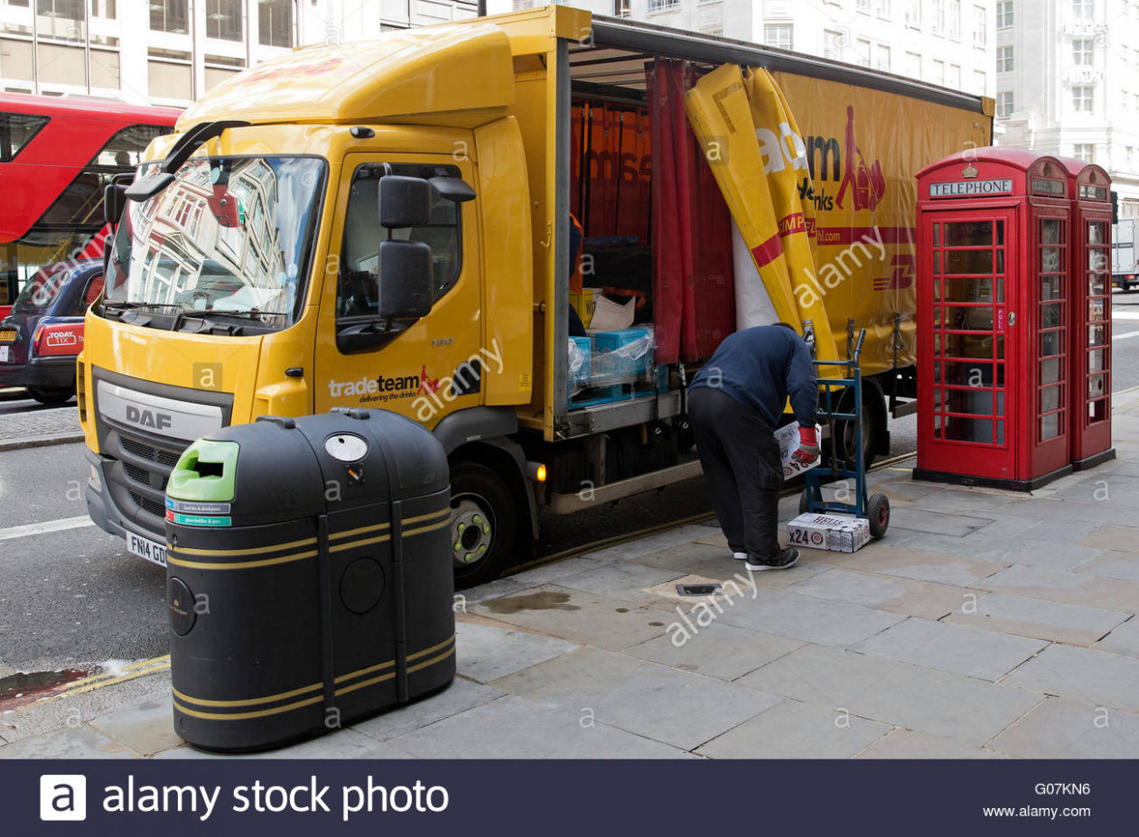 parcels to deliver high resolution stock photography and images dhl delivery kleidung bestellen