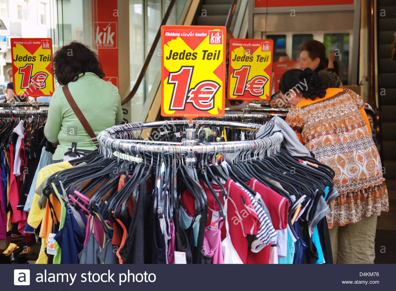 the discount clothing store ?kik? offers clothes for one euro a kik kleidung